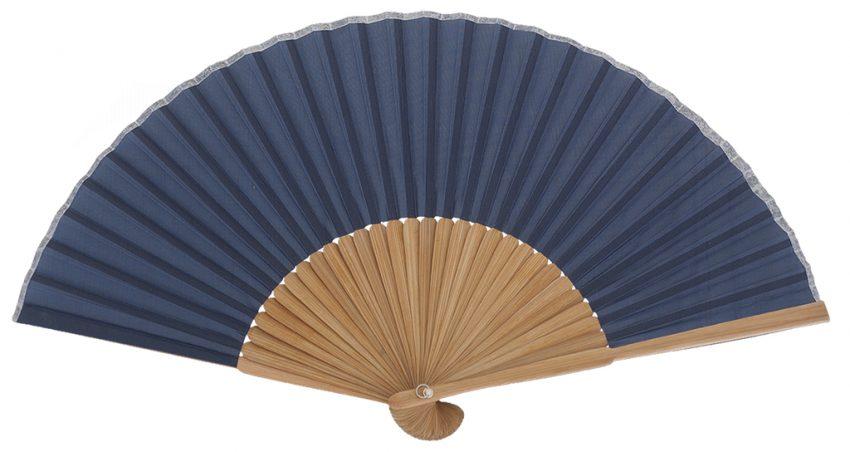 PONANT - Éventail bleu en bois de bambou